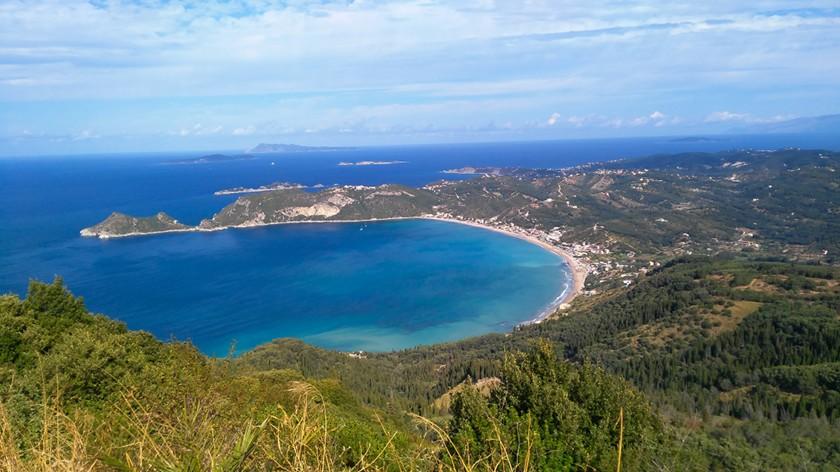 Die Bucht von Agios Georgios in Korfu