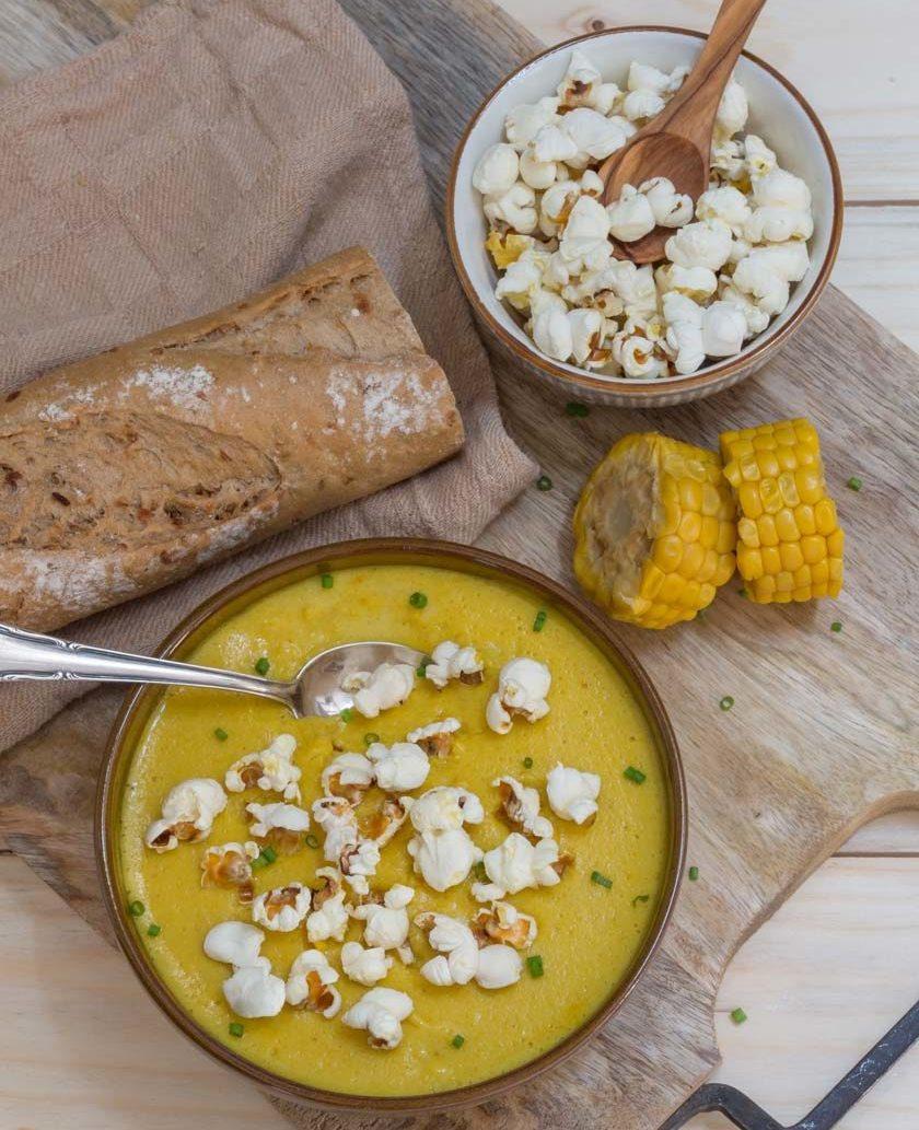 Rezept für leckere Maiscremesuppe mit Popcorn vegan