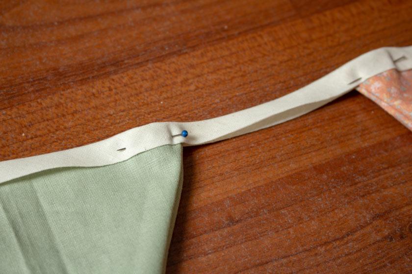 Wimpelkette mit Schrägband