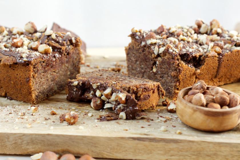 veganer Haselnusskuchen mit Schokolade - purelimon