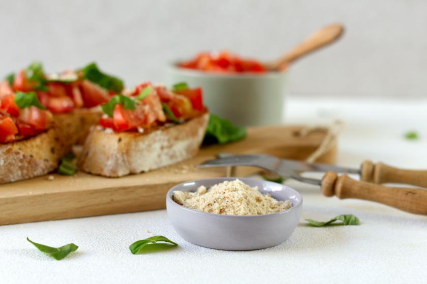selbst gemachter und veganer Parmesan - purelimon