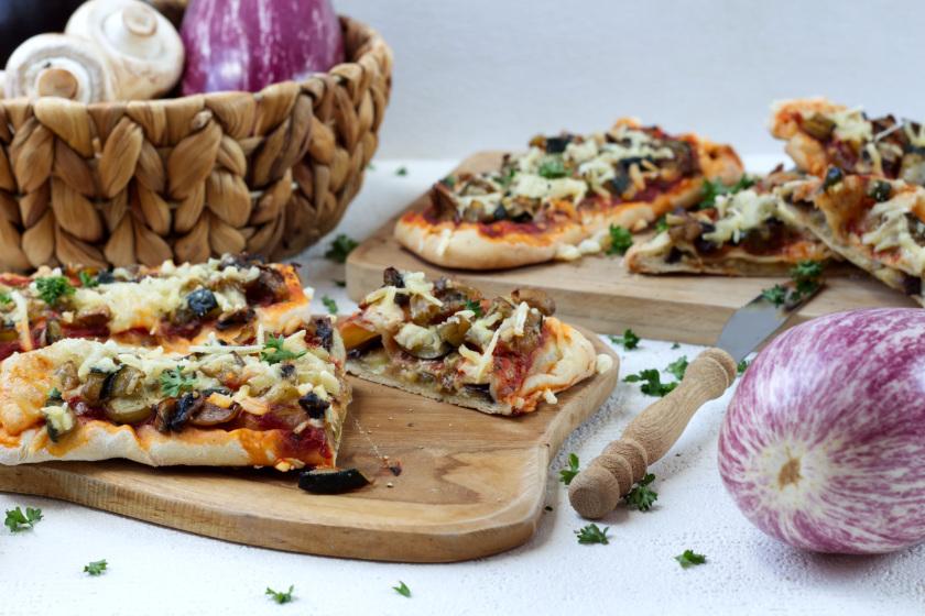 Pizzaschiffchen mit eingebackener Aubergine - purelimon