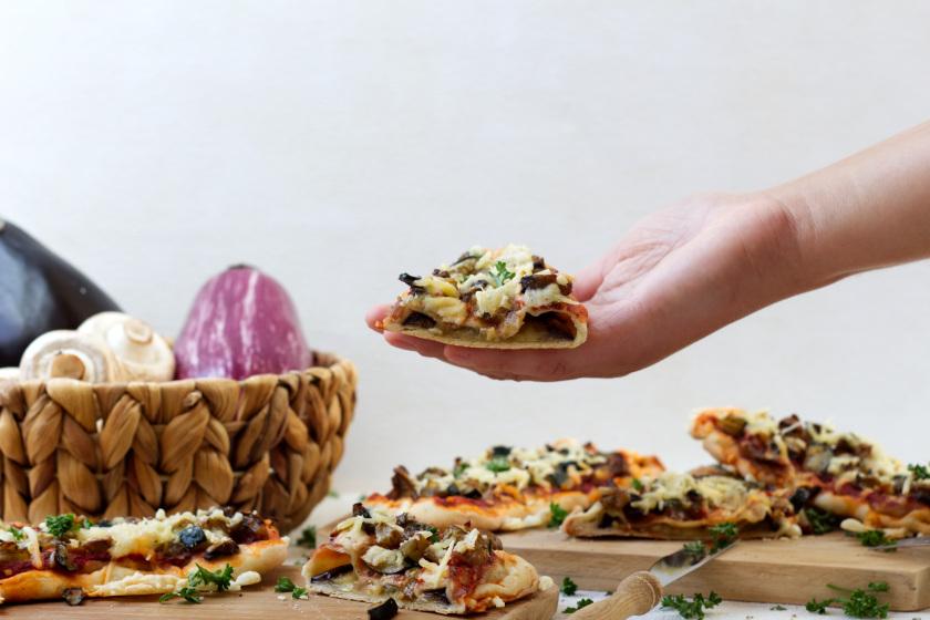 vegane Mini Pizza aus Auberginenscheiben - purelimon