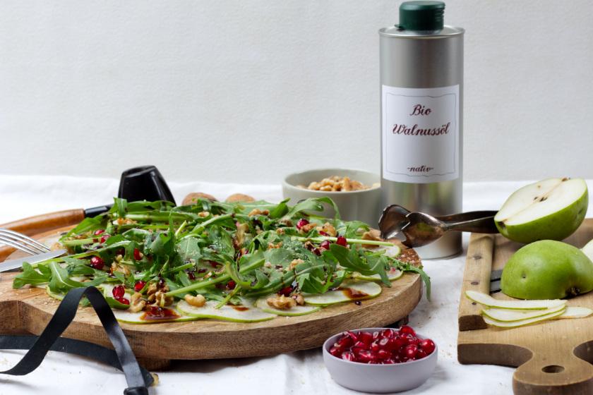 Carpaccio vegan mit Birne, Granatapfel und Rucola