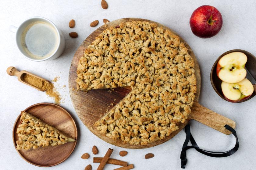 veganer Apfelkuchen mit Streusel - purelimon