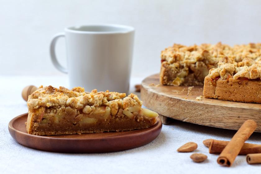 veganer Streuselkuchen mit Apfel - purelimon